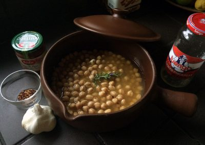 Cazuela with garbanzos