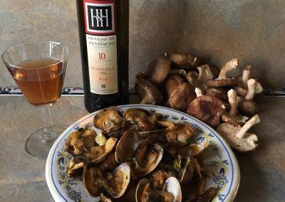 Madeira and clams